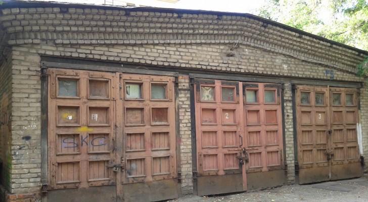 Uno zio eccentrico lascia in eredità un garage ai nipoti: non sanno che dentro c'è un autentico tesoro