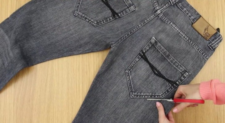 Turn old jeans into a tool belt  in 2 minutes --- NO SEWING!