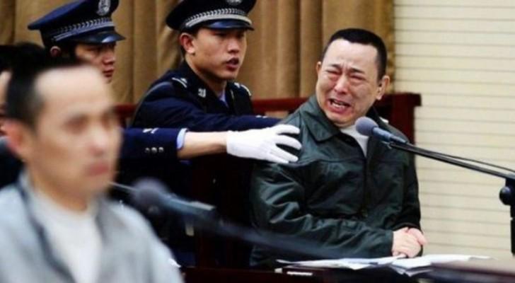 Sapete quale pena prevede il governo cinese per i politici corrotti?