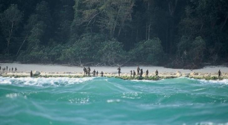 Seit tausenden von Jahren verbieten es diese Insulaner jedem, sich ihren Küsten zu nähern