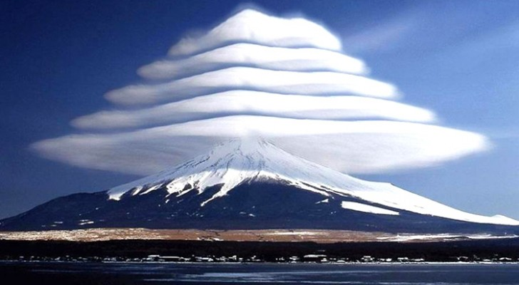 14 foto's van wolken die zo bijzonder zijn gevormd dat je je afvraagt of ze wel echt zijn!