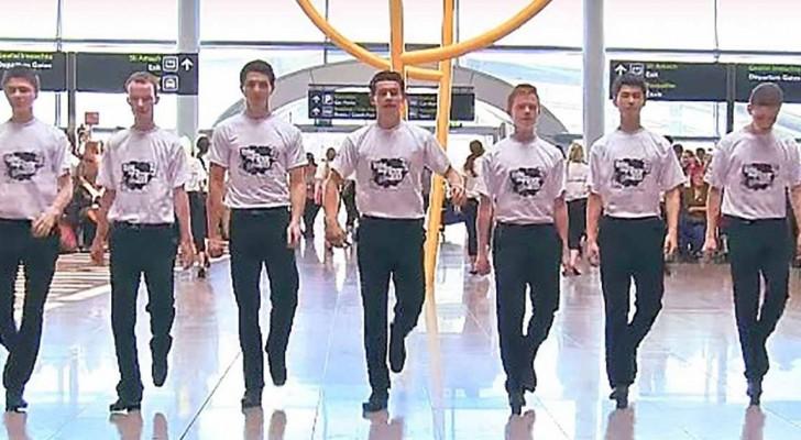 Dei ragazzi si mettono in formazione: i passeggeri dell'aeroporto resteranno entusiasti!