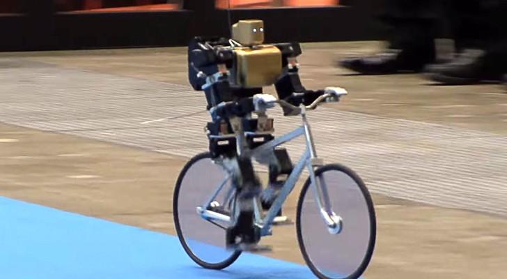 Auch Roboter fahren Fahrrad