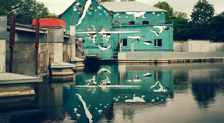 La magnifique fresque murale inversée que l'on ne peut admirer qu'à partir de son reflet sur l'eau